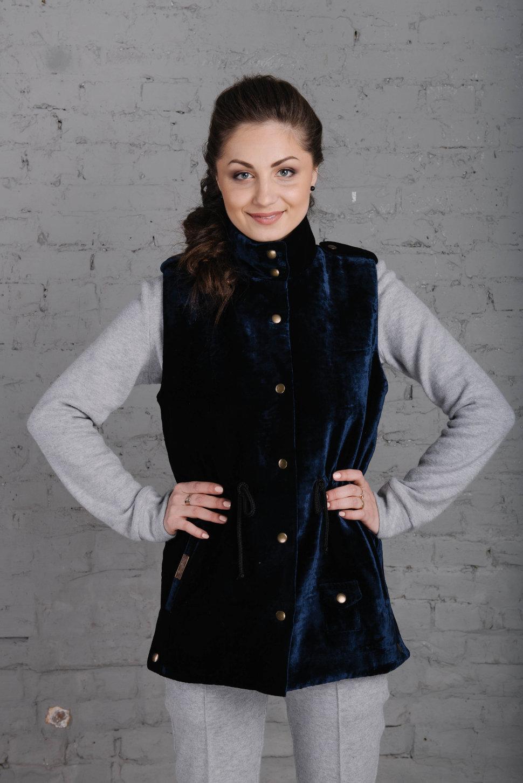 modnyye-zhilety-3 Модные женские куртки на сезоны осень, зима, весна 2018 - 2019! Тенденции, новинки, 115 фото%obz
