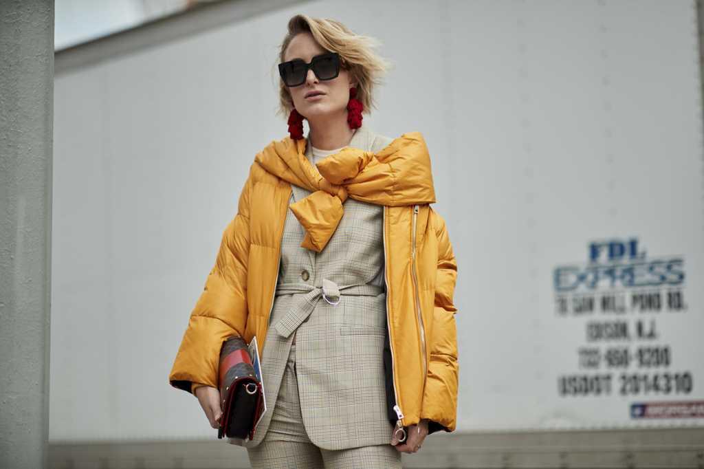 zhenskie-kurtki-osen-2-min Модные женские куртки на сезоны осень, зима, весна 2018 - 2019! Тенденции, новинки, 115 фото%obz